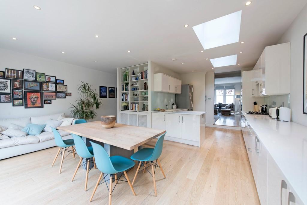 6 Bedrooms Terraced House for sale in Airedale Road, Wandsworth, London