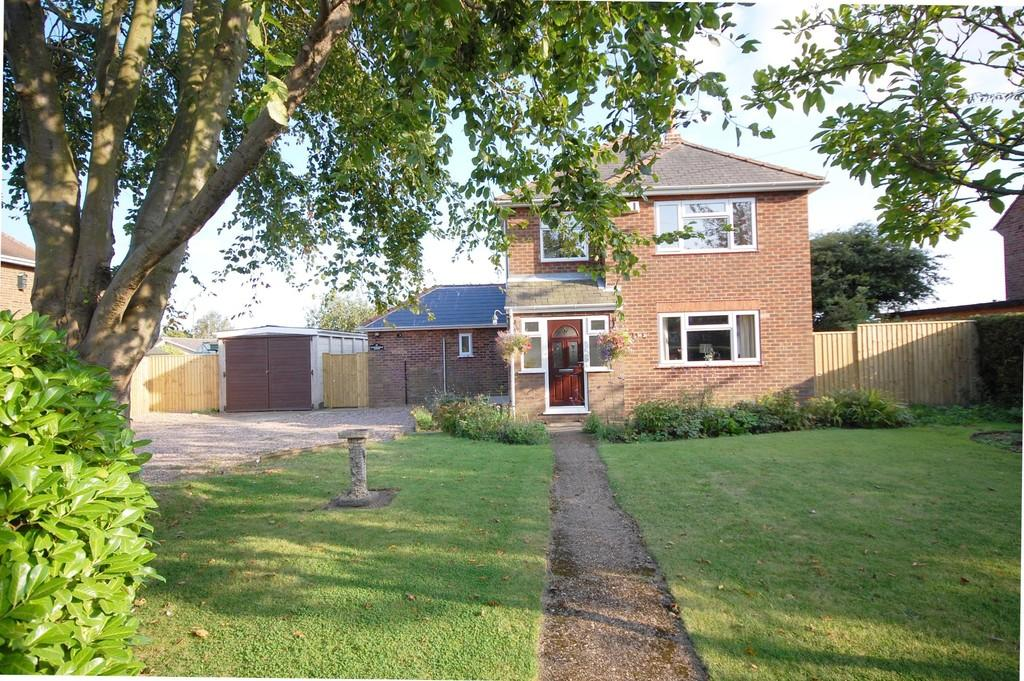 4 Bedrooms Detached House for sale in Louth, Keddington Road