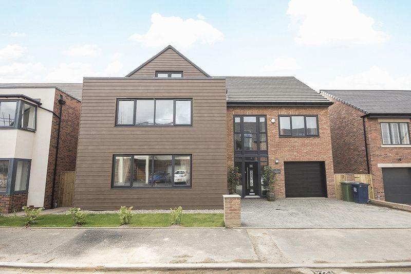 5 Bedrooms Detached House for sale in Hazelwood Road, Elmwood Park Green, Great Park