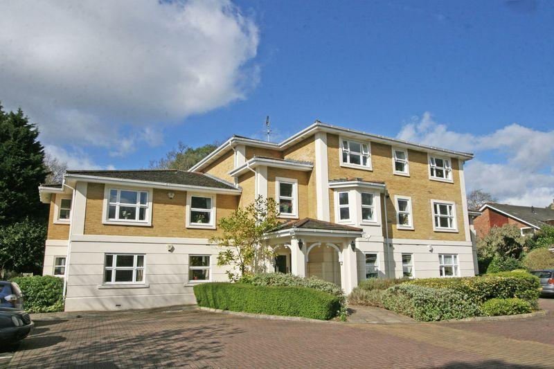 3 Bedrooms Apartment Flat for sale in Green Lane, Farnham Common