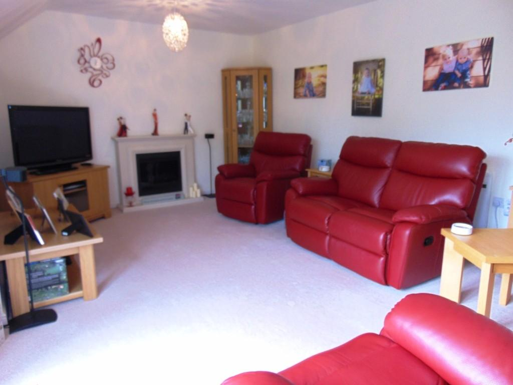 3 Bedrooms Penthouse Flat for sale in Mill Bank, Evesham