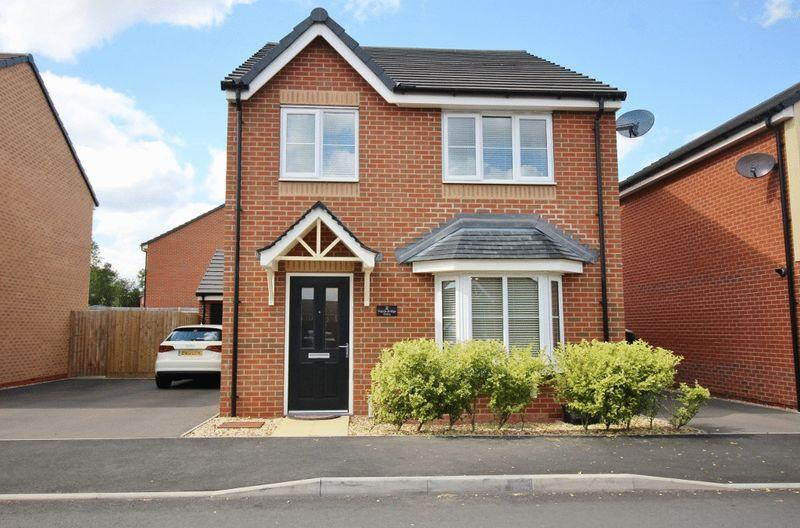 4 Bedrooms Detached House for sale in Wards Bridge Drive, Wednesfield