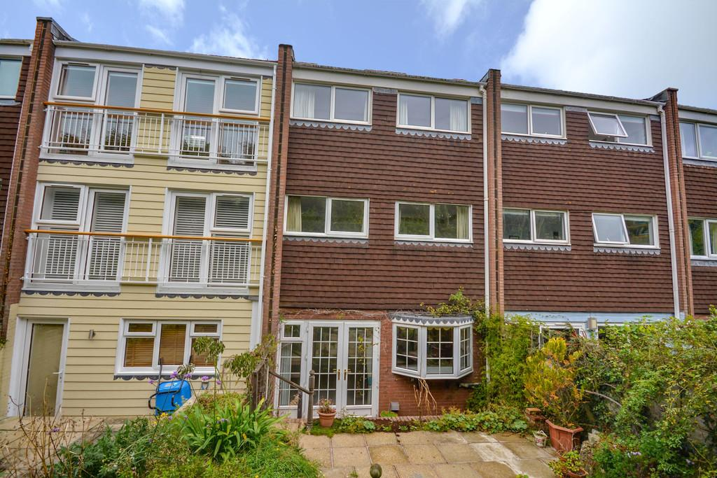 3 Bedrooms Terraced House for sale in Cliff Road, Cowes