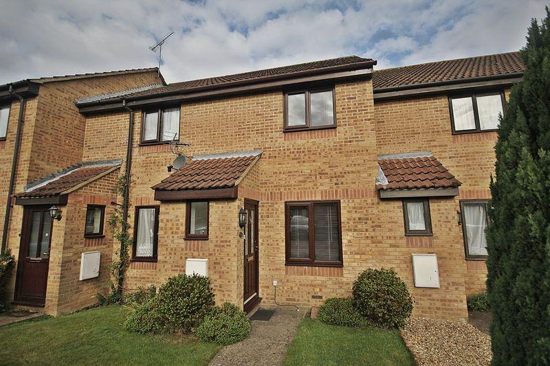 2 Bedrooms Terraced House for sale in Badgers Close, Flitwick