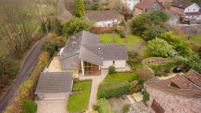 3 Bedrooms Bungalow for sale in Church Road, Easton In Gordano