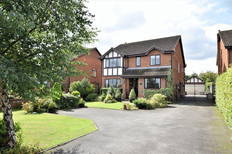 4 Bedrooms Detached House for sale in Ash House Lane, Little Leigh, Northwich