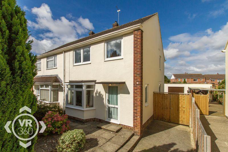 3 Bedrooms Semi Detached House for sale in Kingsway Drive, Kidlington