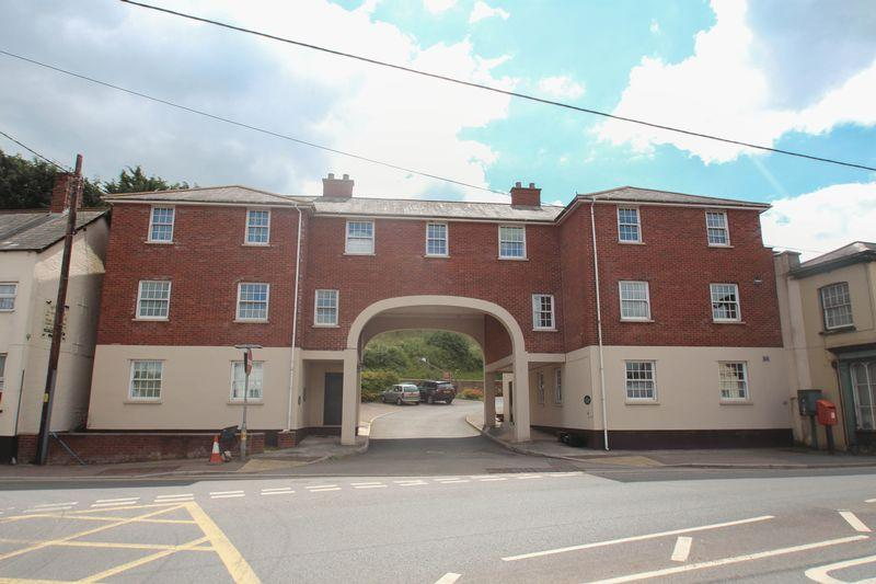1 Bedroom Apartment Flat for sale in Flat 5 Alexander Court, Crediton