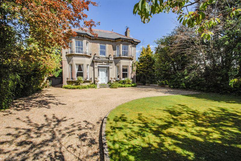 6 Bedrooms Detached House for sale in North Bank, Hassocks