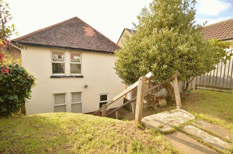 3 Bedrooms Detached House for sale in LAKE