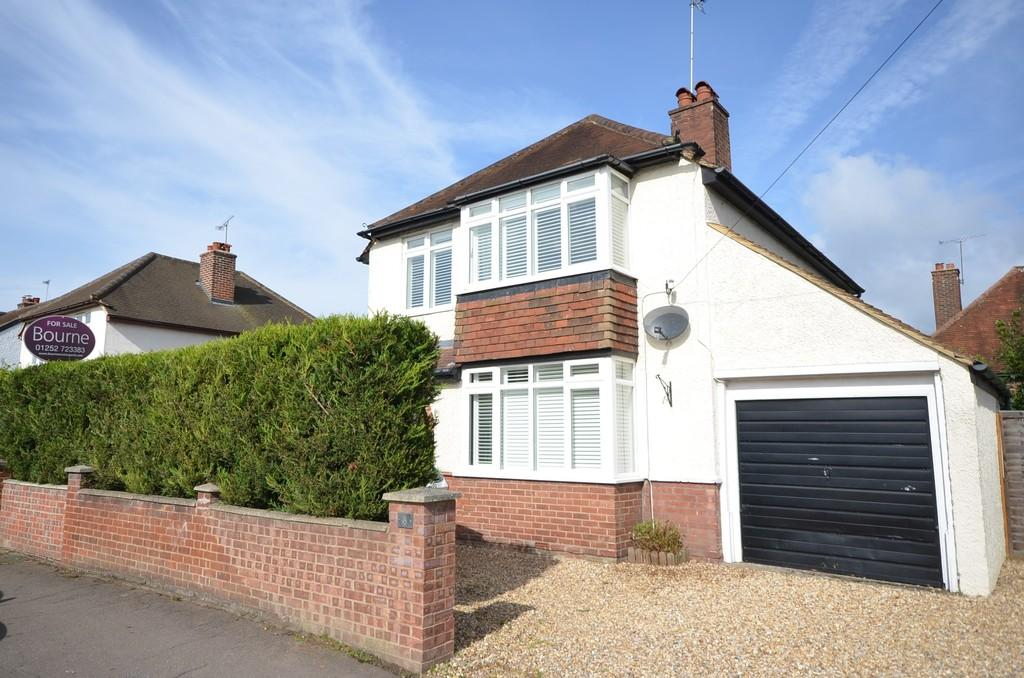 4 Bedrooms Detached House for sale in Arthur Road, Farnham, Surrey