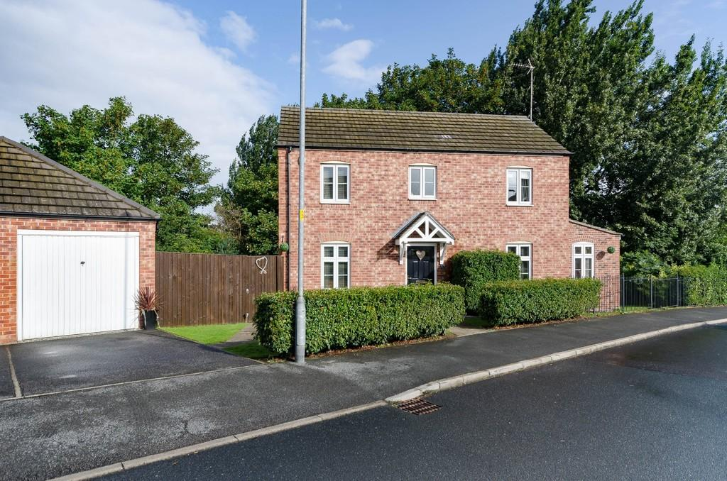 3 Bedrooms Detached House for sale in Lake View, Pontefract