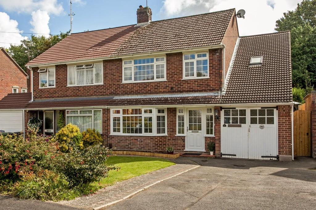3 Bedrooms Semi Detached House for sale in Teg Down Meads, Teg Down, Winchester, SO22