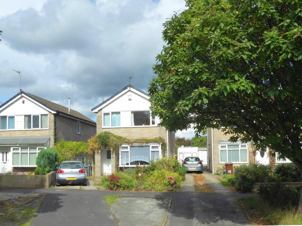 4 Bedrooms Detached House for sale in Kirklees Drive, Farsley