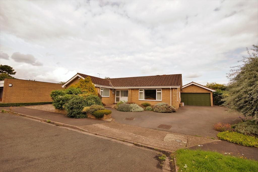 3 Bedrooms Detached Bungalow for sale in Auden Close, Lincoln