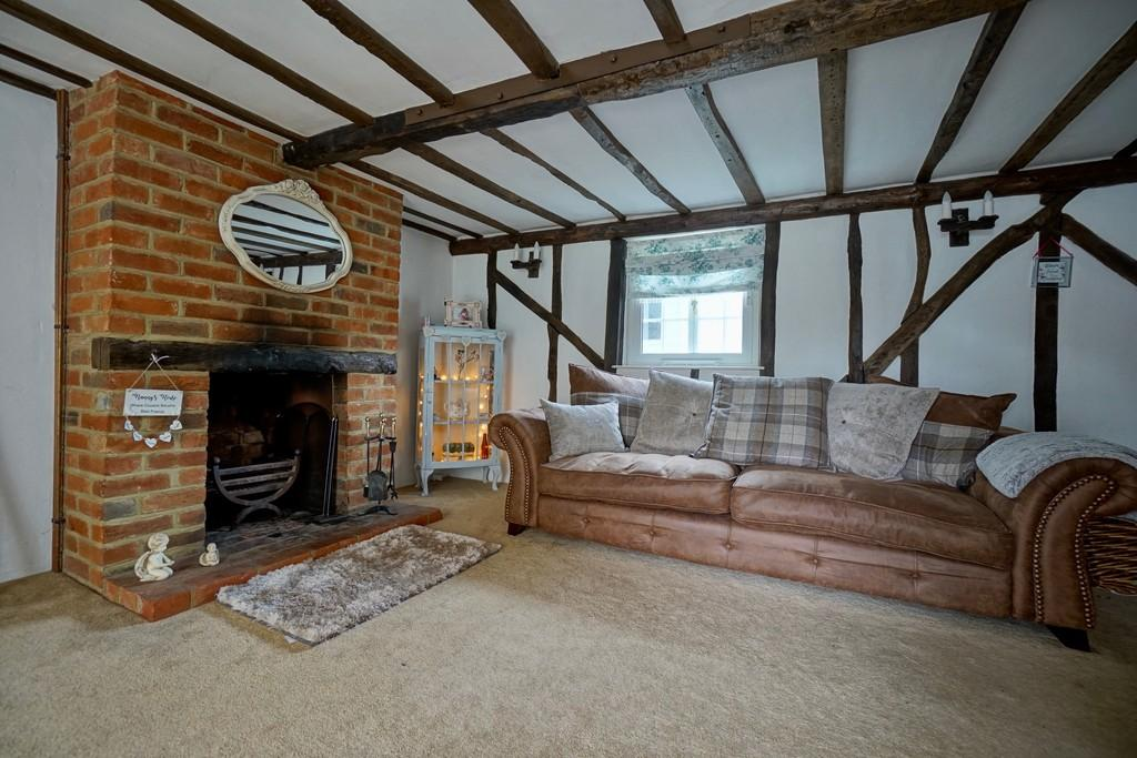 3 Bedrooms Cottage House for sale in 10 London Road