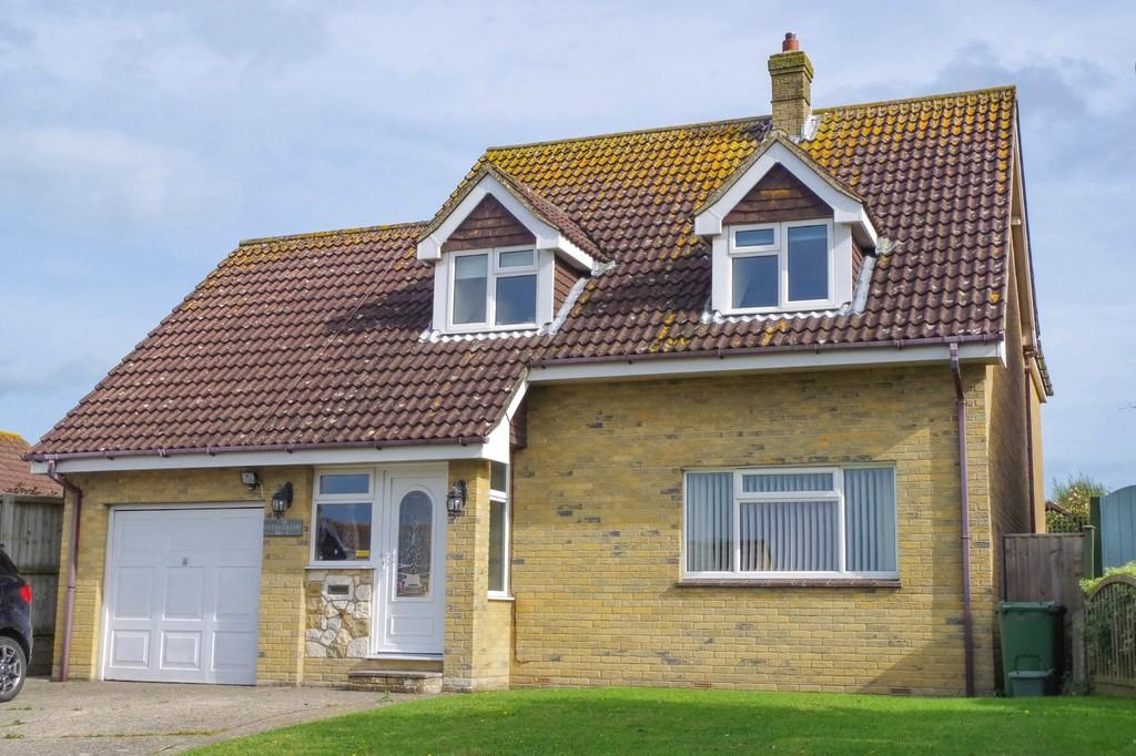 4 Bedrooms Detached House for sale in Lark Rise, Shanklin