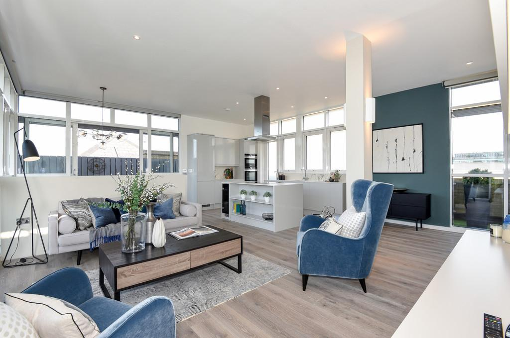 2 Bedrooms Penthouse Flat for sale in Artbrand House, Leathrmarket Street, SE1