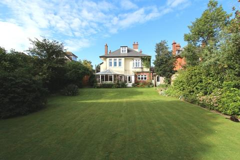 7 bedroom detached house for sale - Soberton Road, Bournemouth BH8