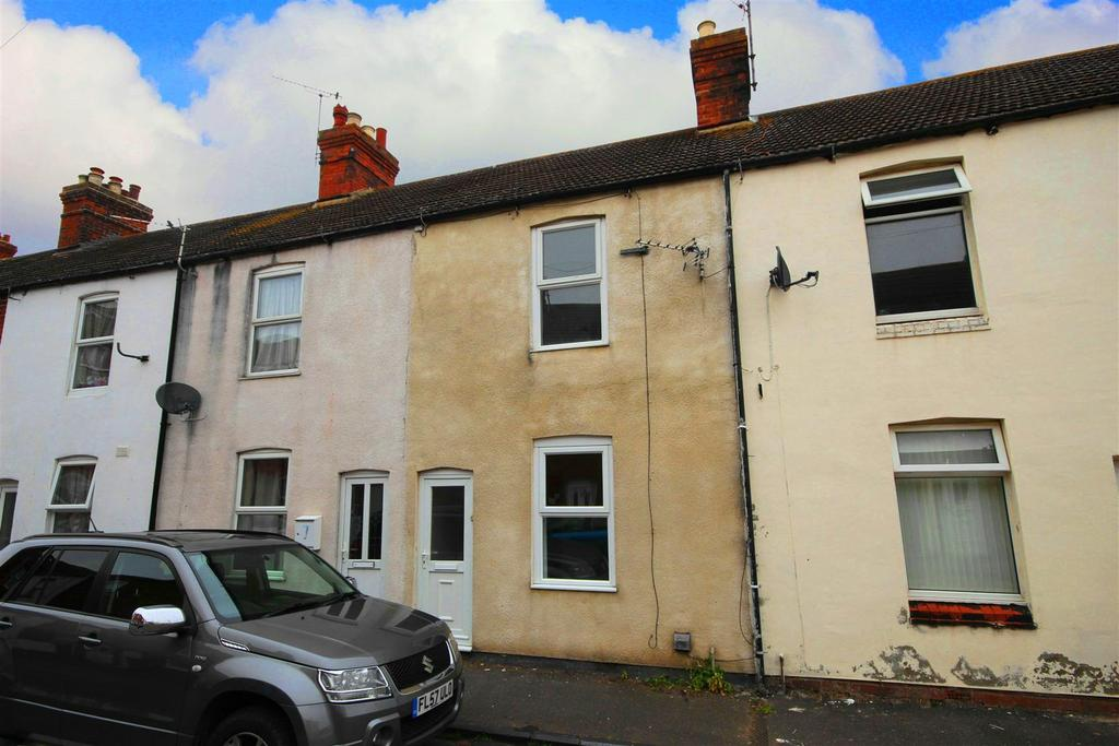 2 Bedrooms Terraced House for sale in 9 Victoria Road, Sutton-On-Sea