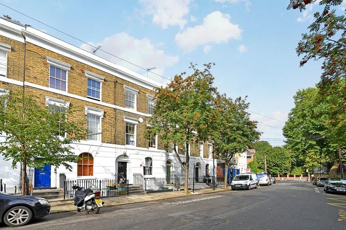 1 Bedroom Flat for sale in Noel Road, Islington, London
