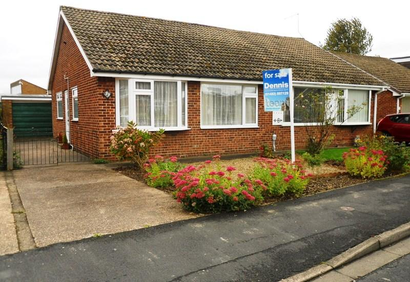 2 Bedrooms Semi Detached Bungalow for sale in St. Marys Drive, Thorngumbald, Hull