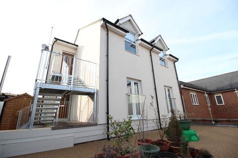 1 bedroom apartment to rent - High Street, Hoddesdon, Hertfordshire EN11