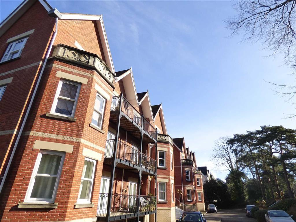 2 Bedrooms Flat for sale in Knyveton Road, Bournemouth, Bournemouth, Dorset, BH1