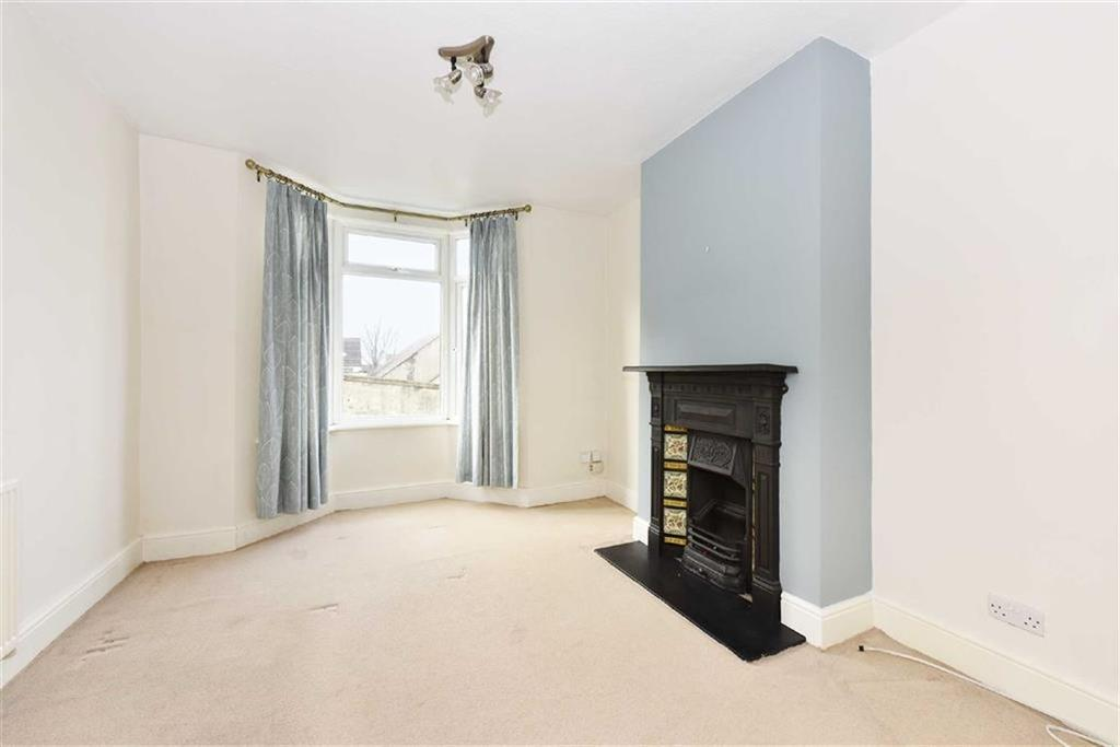 2 Bedrooms Terraced House for rent in Carlyle Street, Brighton