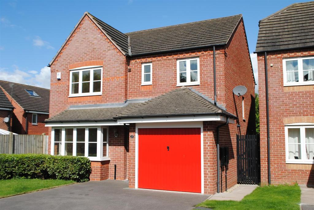 4 Bedrooms Detached House for sale in Laburnum Way, Loughborough