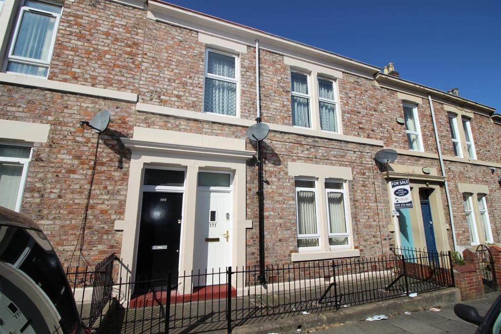 3 Bedrooms Flat for sale in Tamworth Road, Arthurs Hill, Newcastle Upon Tyne
