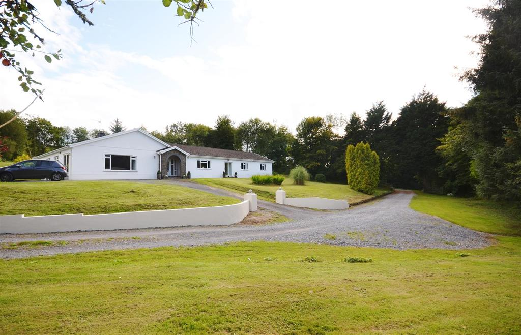 5 Bedrooms Country House Character Property for sale in Ferryside