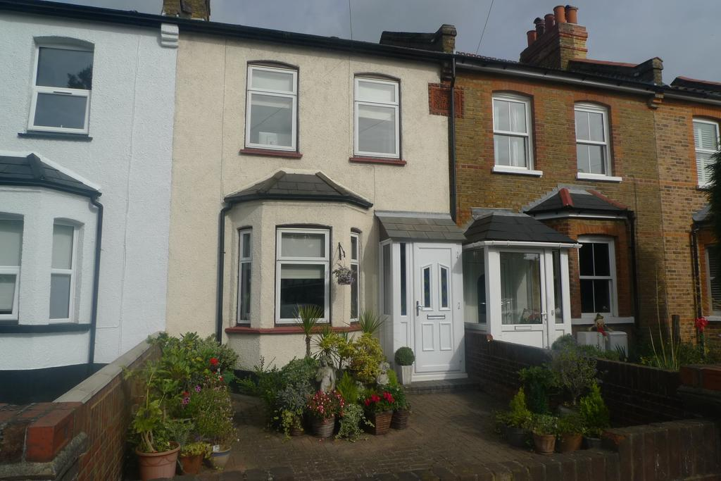 3 Bedrooms Cottage House for sale in Nelson Road, Whitton TW2