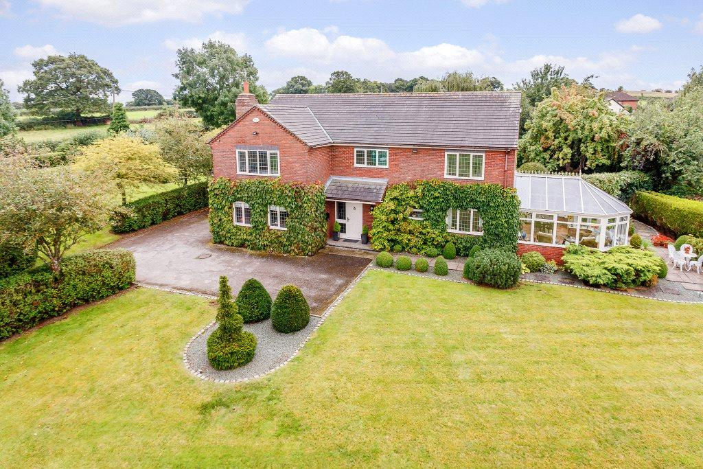 4 Bedrooms Detached House for sale in Broomhill, Great Barrow, Chester
