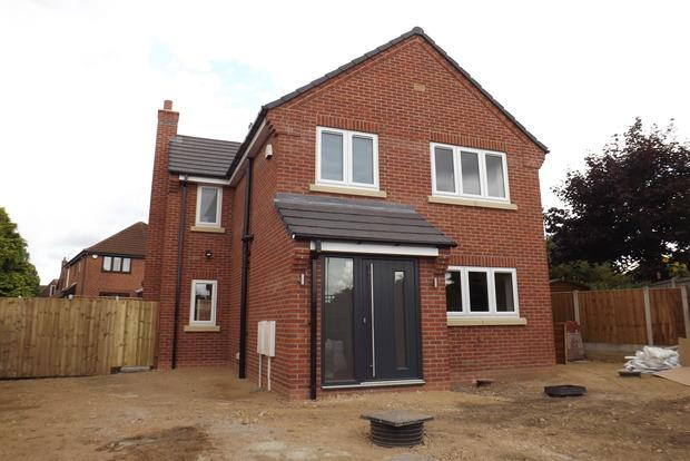 3 Bedrooms Detached House for sale in Chedington Avenue, Mapperley, Nottingham, NG3