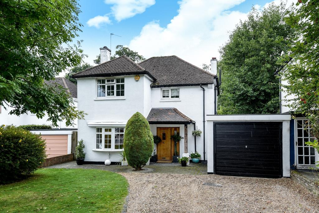 3 Bedrooms Detached House for sale in Wimborne Avenue Chislehurst BR7