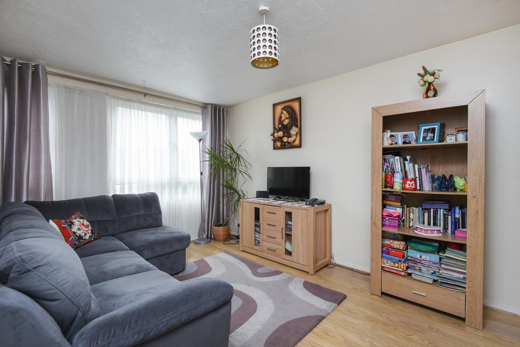 2 Bedrooms Maisonette Flat for sale in Flintmill Crescent Blackheath SE3