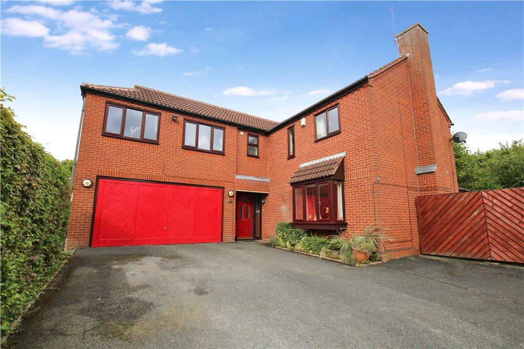 5 Bedrooms Detached House for sale in Brookfield Close, Hunt End, Redditch, Worcestershire, B97
