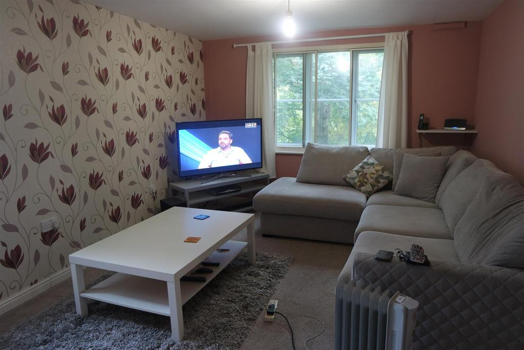 2 Bedrooms Apartment Flat for sale in Princes Gate, West Bromwich