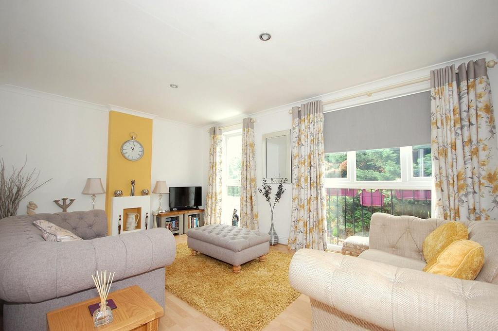 3 Bedrooms Maisonette Flat for sale in Old Town