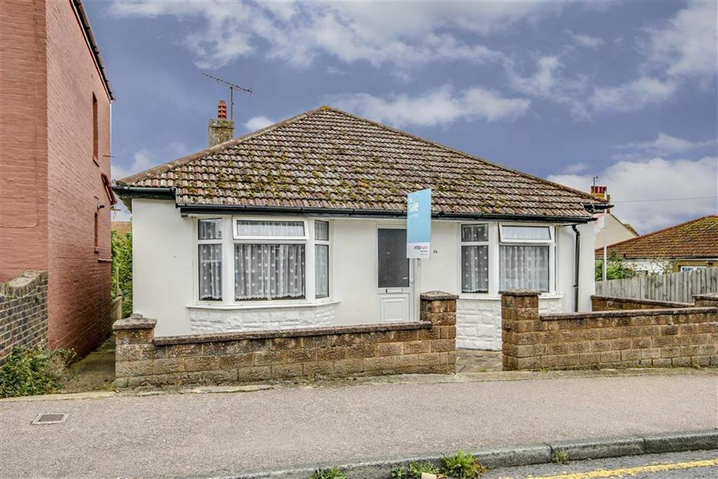 3 Bedrooms Detached Bungalow for sale in Saxon Road, Newhaven