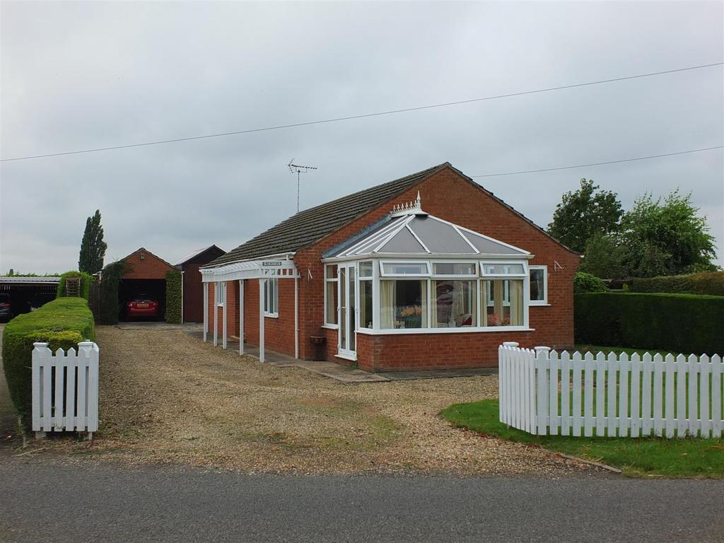 2 Bedrooms Detached Bungalow for sale in Holbeach Drove Gate, Holbeach Drove