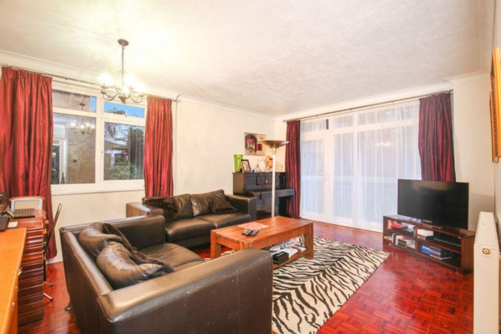 2 Bedrooms Apartment Flat for sale in Highgate Heights, Shepherds Hill, Highgate, N6