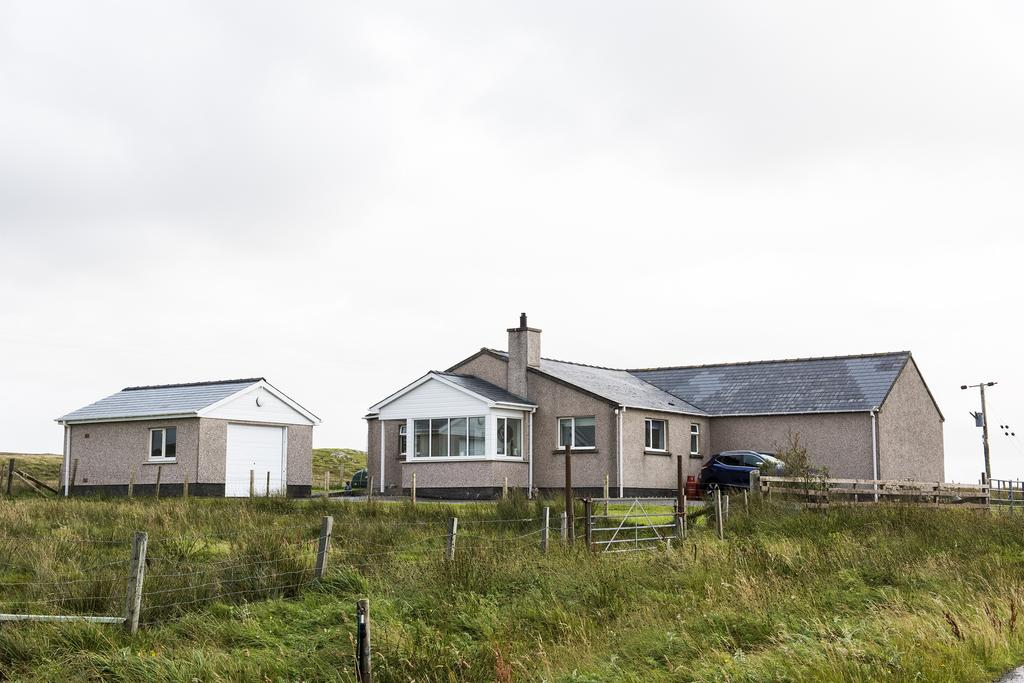3 Bedrooms Detached House for sale in Callanish, Isle of Lewis HS2