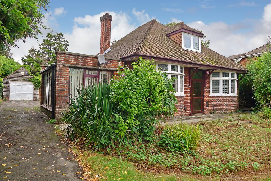3 Bedrooms Bungalow for sale in THE AVENUE, FAREHAM - PRICE GUIDE 300,000-350,000