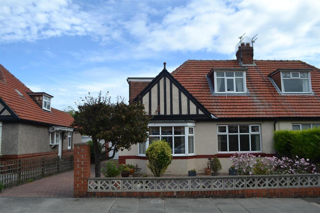 3 Bedrooms Semi Detached Bungalow for sale in Clifton Road, Roker, Sunderland