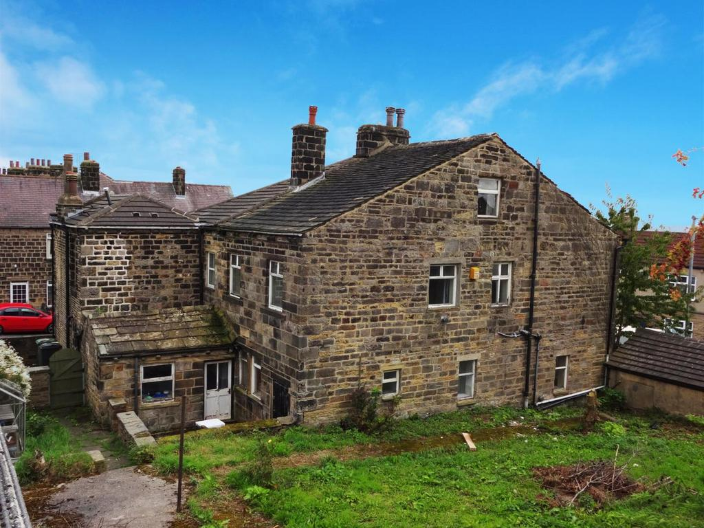 4 Bedrooms Semi Detached House for sale in Town Street, Rawdon