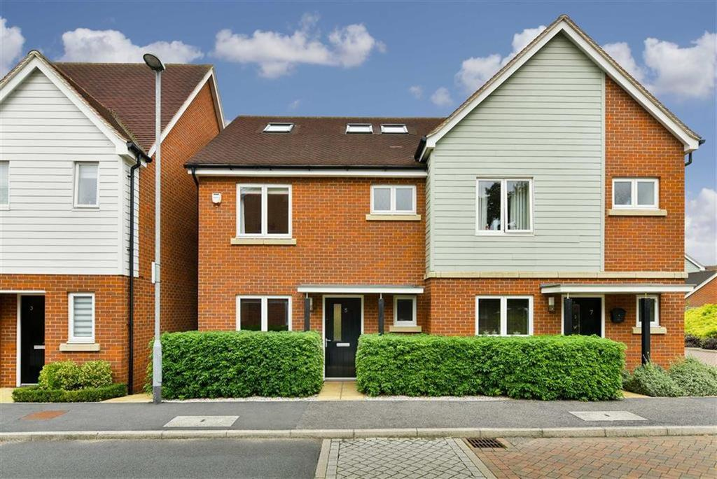 4 Bedrooms Semi Detached House for sale in Redwood Drive, Epsom, Surrey