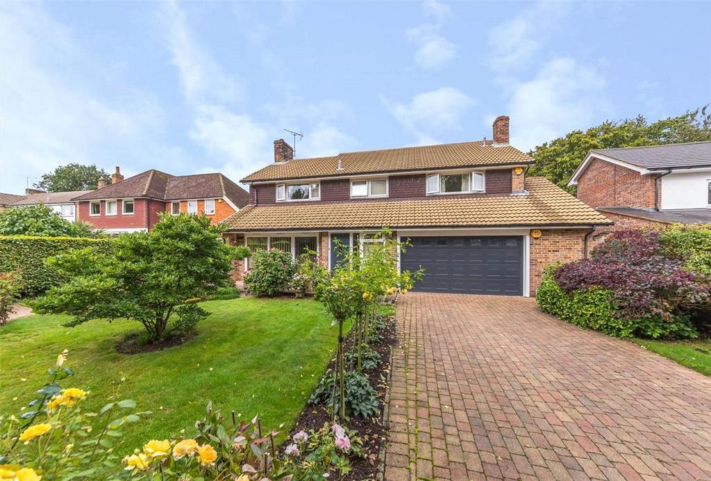 5 Bedrooms Detached House for sale in Swannells Wood, Studham, Dunstable, Bedfordshire