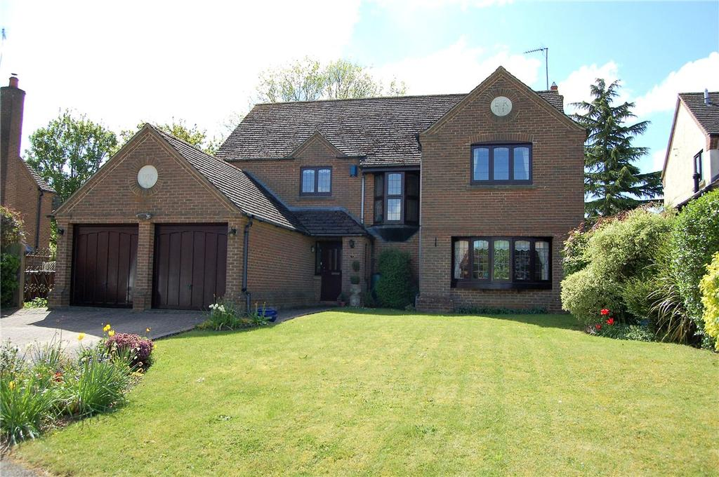 4 Bedrooms Detached House for sale in Stewart Close, Moulton, Northampton, Northamptonshire, NN3